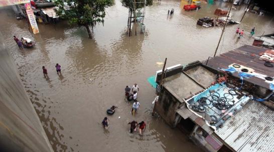 First Rain in Morbi during 2014 Pre Monsoon – 4 Inches Rain in Morbi Gujarat on 16 June 2014