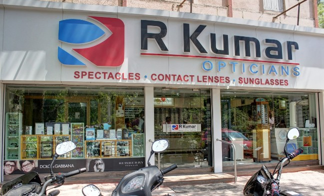 R Kumar Opticians at Ashram Road Ahmedabad - R Kumar Opticians shops satellite