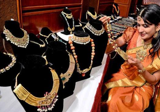 Raasleela Jewelry Exhibition in Vadodara by Art Karat Jewellery Designing Company