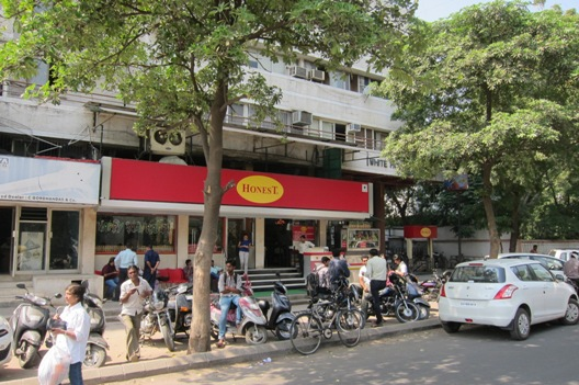 Restaurants to Eat Famous Chole Bhature in Ahmedabad
