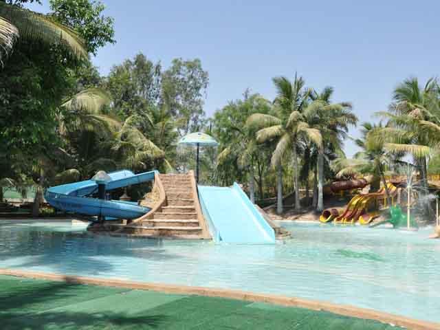 Splash the Fun World Water Park in Ahmedabad Gujarat