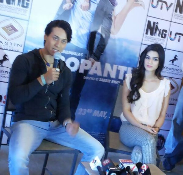 Tiger Shroff in Ahmedabad with Kriti Sanon for Promotion Heropanti Movie