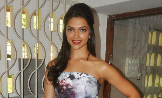 When will Deepika Padukone in Ahmedabad for HAPPY NEW YEAR 2014 Film Promotion