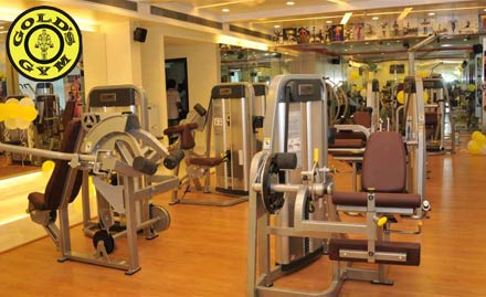Gold's Gym Vesu in Surat Gujarat