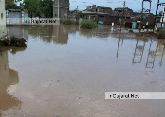 Heavy Rain in Rajkot 2014 - On 18 July 2014 It's Heavy Raining in Rajkot from Early Morning LATEST NEWS