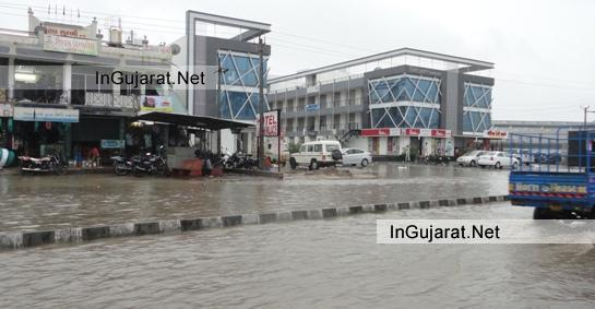 Heavy Rainfall in Ahmedabad 2014 - On 24 July 2014 It's Heavy Raining in Ahmedabad City of Gujarat LATEST NEWS