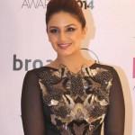Huma Qureshi in Black Body Tight Gown at Vogue Beauty Award 2014 in Mumbai