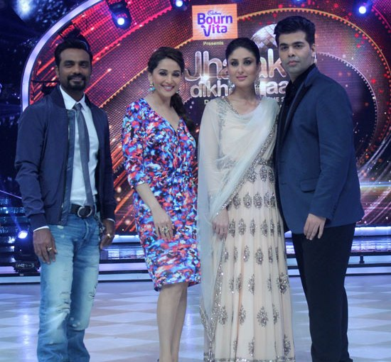 Kareena Kapoor in White Anarkali Dress at Jhalak Dikhhla Jaa Season 7 - Latest Photos 2014