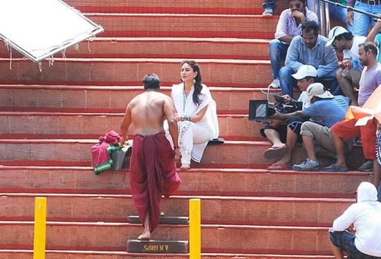 Kareena Kapoor in White Dress in Singham Returns 2014 - Simple Anarkali Suit Look
