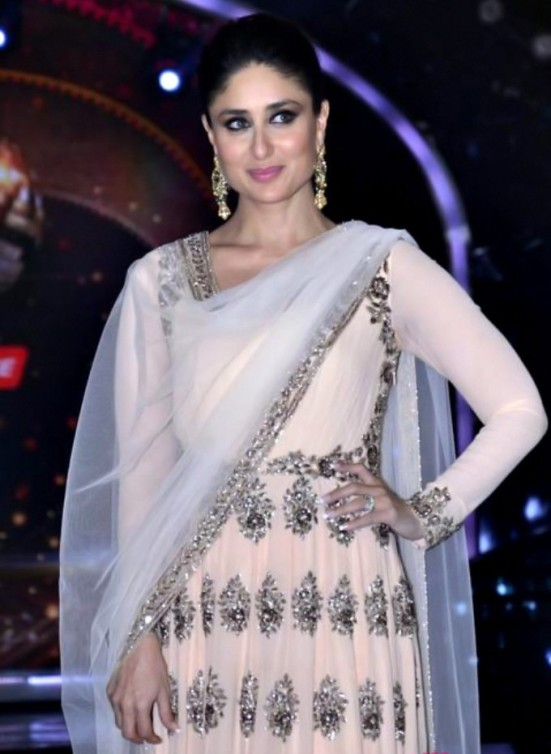 Kareena Kapoor's Suit in Jhalak Dikhla Jaa 2014 Season 7 - Traditional Outfit Images