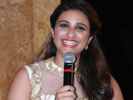 Parineeti Chopra Cute Smile Images Latest Beautiful Smiling Pics wearing Red and Pink Lipstick on Sexy Lips