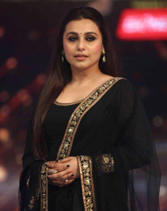 Rani Mukerji in Black Anarkali Suits Churidar Dress at Jhalak Dikhla Jaa 2014