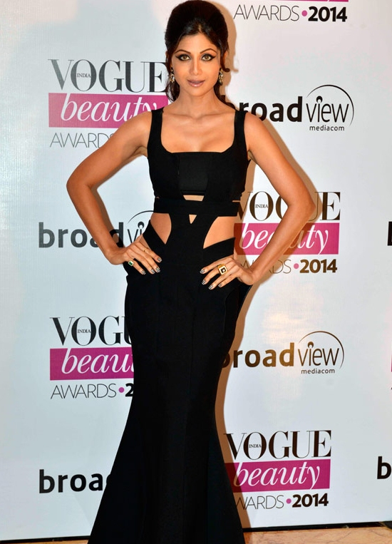Shilpa Shetty Hot Pics in Black Gown.jpg