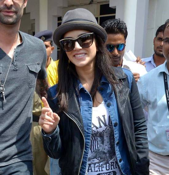 Sunny Leone in Jodhpur Rajasthan for Upcoming Hindi Movie Shooting at Khimsar Fort near Jodhpur - Latest Bollywood Stars Photos