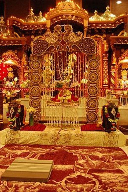Swaminarayan Temple Hindola Darshan in Vadtal Gujarat