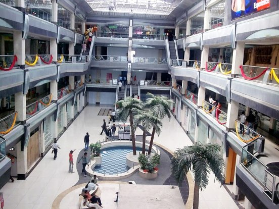 The Big new Grand Central Mall in Rajkot