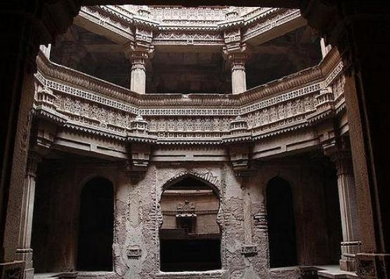 ADALAJ STEPWELL in Gandhinagar Gujarat  Images  Photos  History