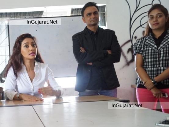 Bollywood Heroin Mahek Chahal with Naushik Patel at INIFD Rajkot Centre