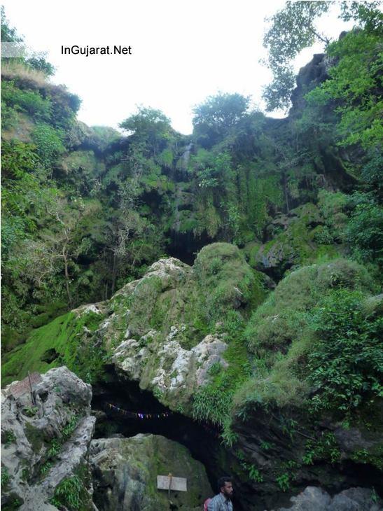 Hathni Waterfall Jambughoda Photos Images