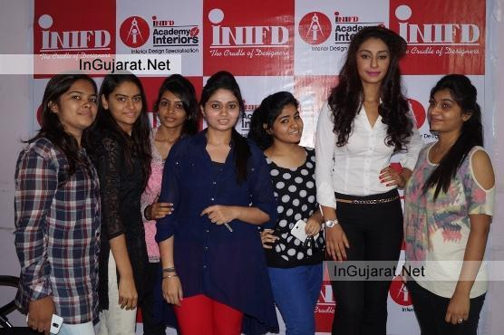 Mahek Chahal with INIFD Students Rajkot Photos 1