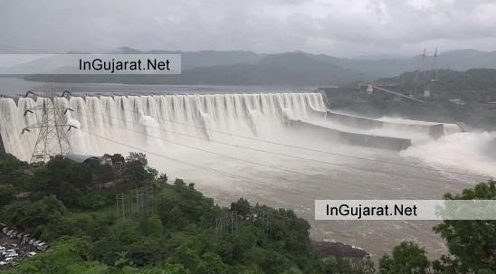 Sardar Sarovar Dam Overflowing 2014 on Narmada River Gujarat - Still Waiting for Latest Good News