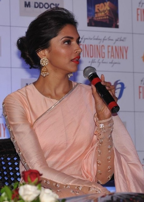 Deepika Padukone in Amrapali Earrings