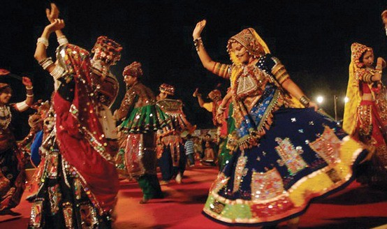 Bye Bye Navratri Celebration Raas Rang Raas Mahotsav 2014 in Rajkot at 150 ft Road