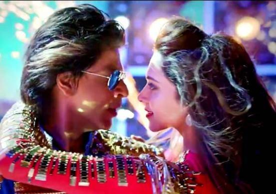 Deepika Padukone and Shahrukh Khan Kiss in Happy New Year