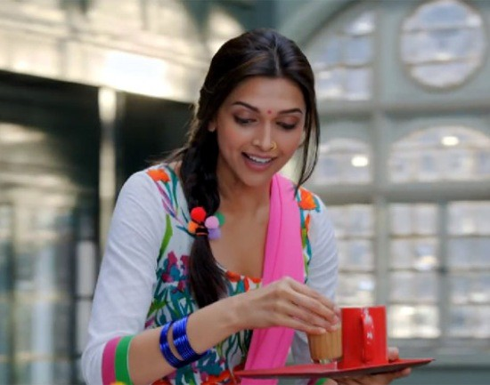Deepika Padukone in Manva Laage Song of Happy New Year