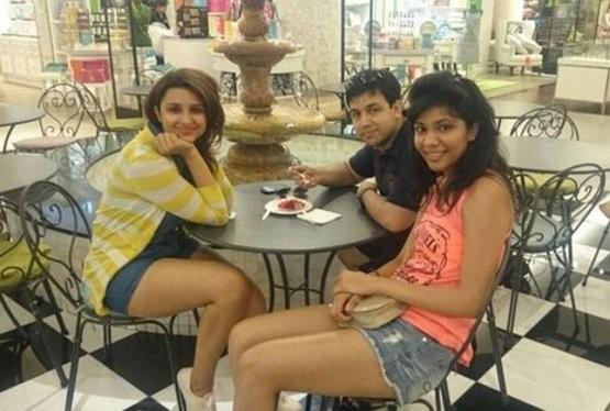 Parineeti Chopra Casual Photos in Dubai Arab Emirates with her Friends during Short Vacation