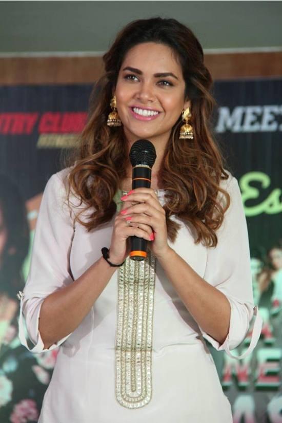 Esha Gupta in White Dress at Country Club Presents New Year Bash 2015 in Bengaluru