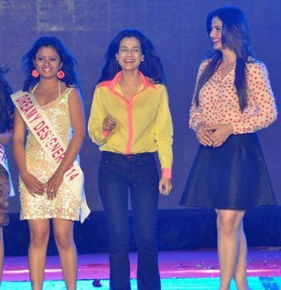 Bollywood Actress ZARINE KHAN and AMISHA PATEL was in Rajkot on 7th March 2014