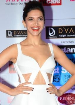 Deepika Padukone Hot Navel Shows Pics in White Dress at HT Mumbai's Most Stylish 2015