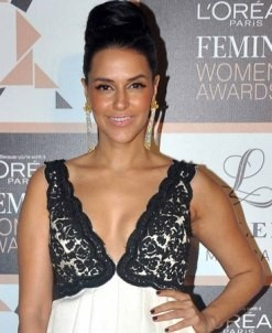 Neha Dhupia Hot Cleavage Pics in Evening Gown during L'Oreal Paris Femina Women's Award 2015.jpg