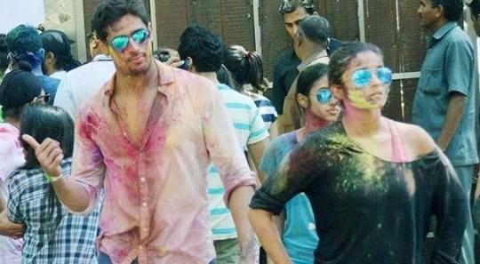 Sidharth Malhotra and Alia Bhatt celebrate Holi together