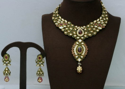 Surbhi Jewellers in Rajkot - Retailer of GOLD & SILVER Jewellery at Rajkot.jpg