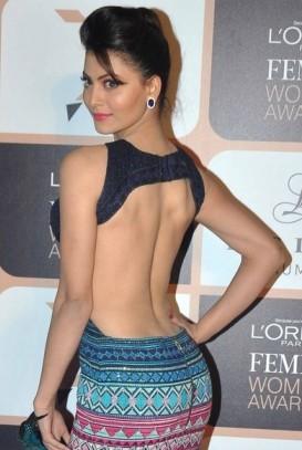 Urvashi Rautela in Backless One Piece Dress at L'oreal Paris Femina Awards 2015