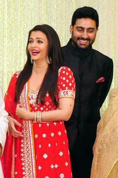 Aishwarya Rai in Red Lehenga at Kunal Kapoor & Naina Bachchan Wedding Reception.jpg