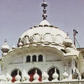 Mika Singh at Sikh Gurdwara Janam Asthan Nankana Sahib at Lahore Pakistan - Recent Photos 2015