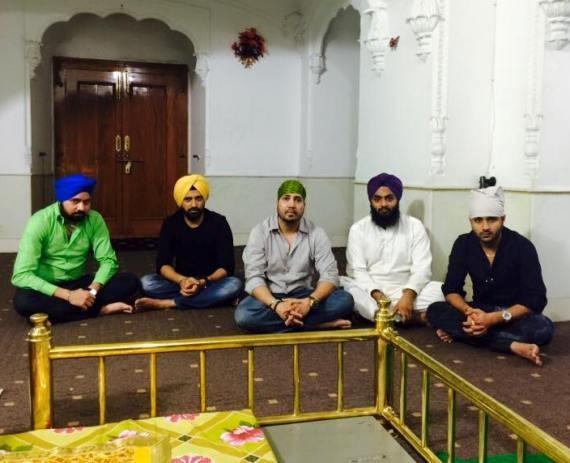 Mika Singh at Sikh Gurdwara Janam Asthan Nankana Sahib at Lahore Pakistan