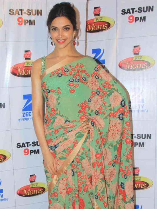 Deepika Padukone at DID Supermom Sets.jpg