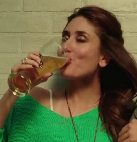 Indian Bollywood Actress Kareena Kapoor Drinking Alcohol Images in Gabbar Is Back Movie - Not Real Life Photos