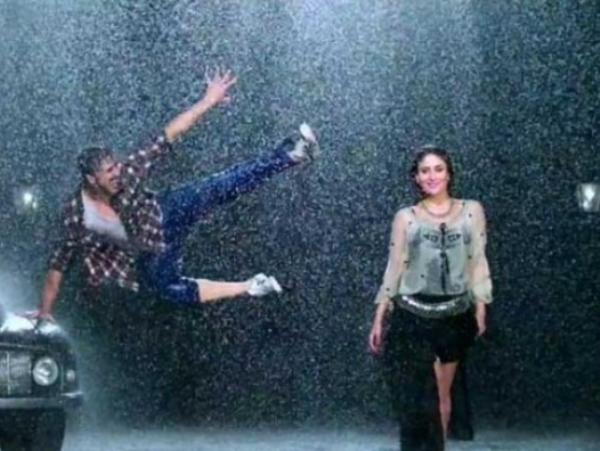 Kareena Kapoor Hot Photos during Rain Song Teri Meri Kahani