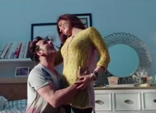 Kareena Kapoor Latest Yellow Short Kurti in Gabbar is Back Movie