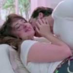 Kareena Kapoor and Akshay Kumar Hot Kissing Scene in Teri Meri Kahaani Song of Gabbar Is Back