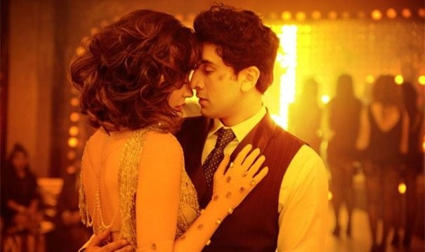 Ranbir Kapoor and Anushka Sharma Kiss in Bombay Velvet