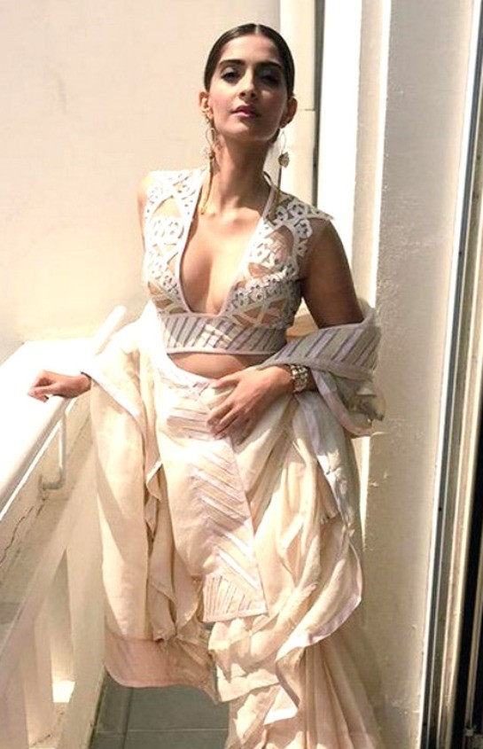 Sonam Kapoor Hot Photos - Latest Pics