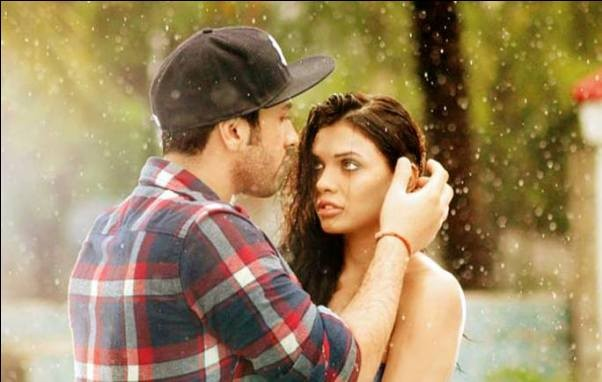Ishq Click Movie Hot Romantic Lip Lock Pics