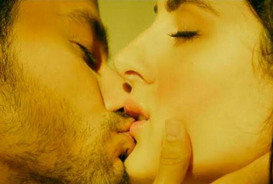 Bhaag Johnny  Hot Kiss and Bed Scene Photos